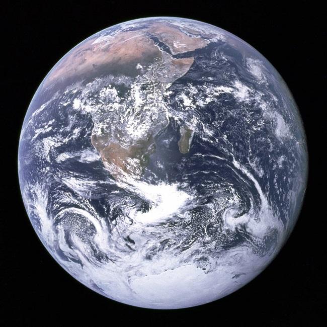 Earth_370680