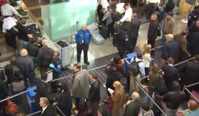 airport security line_412666