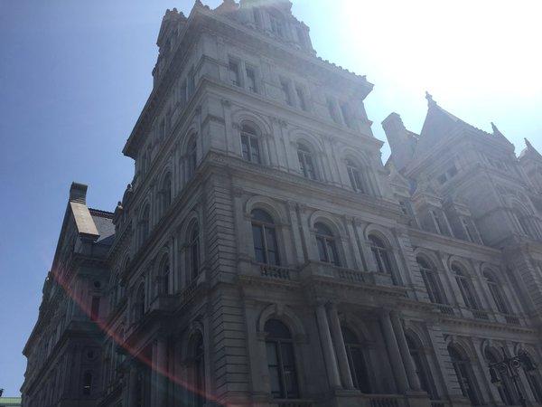 NY Statehouse_413689