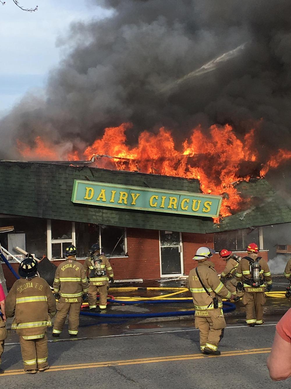 dairy circus fire_422151