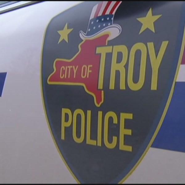 troy police3_137820