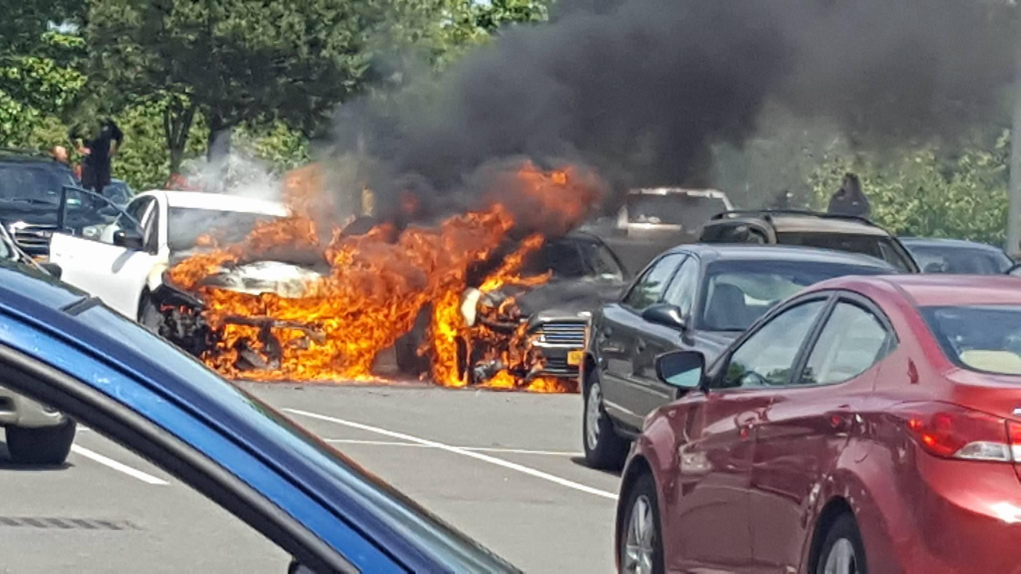Latham Car Fire - Carley Lesh_444852