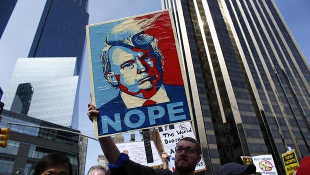 TOPSHOT-US-VOTE-REPUBLICAN-TRUMP-PROTEST_498332