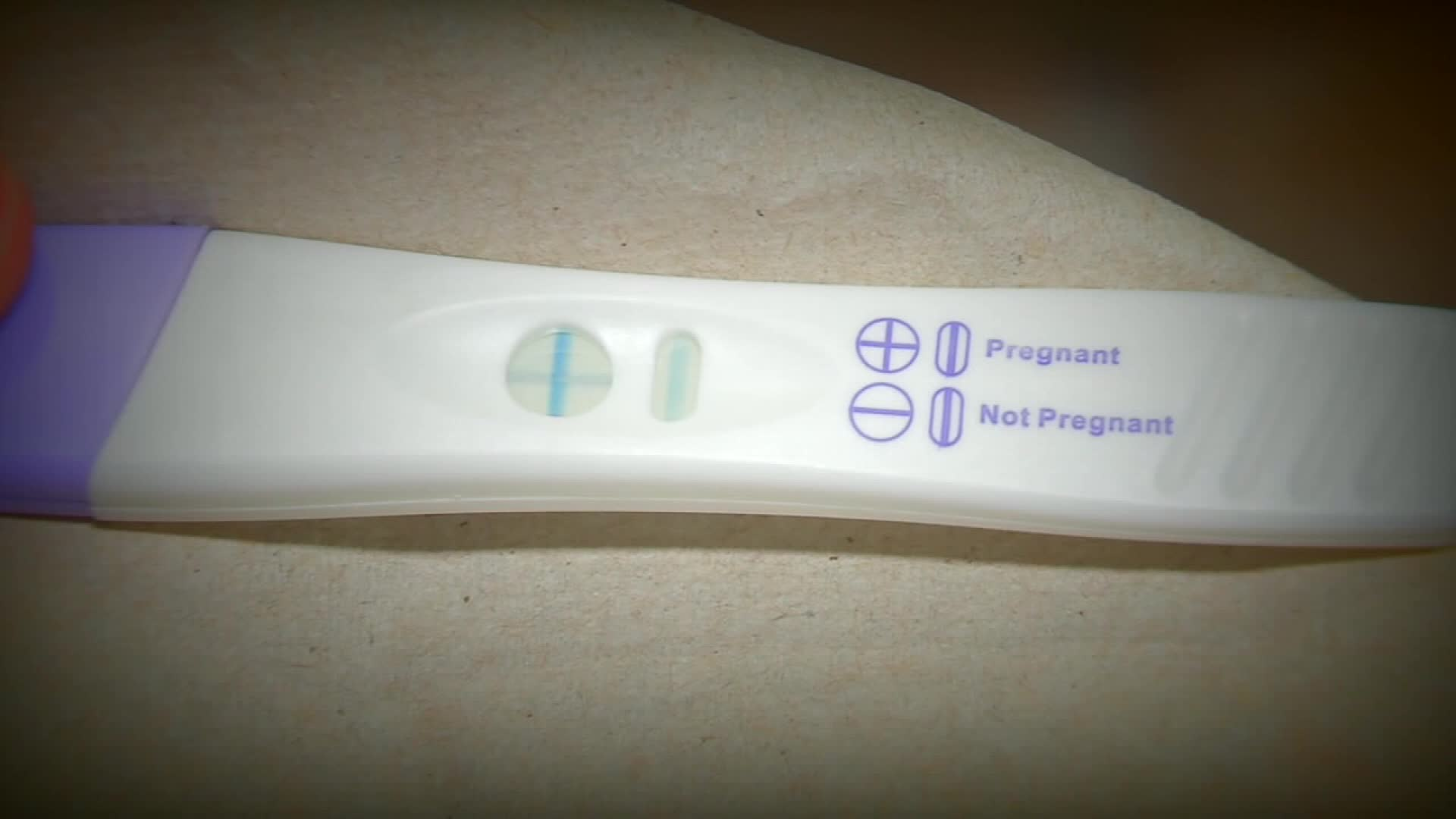 positive-pregnancy-test_516178