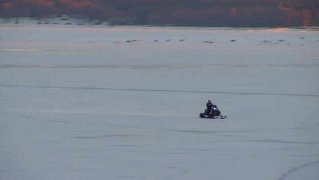 snowmobile-great-sacandaga-lake_524618