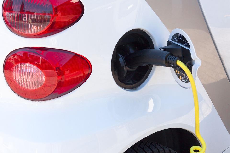 electric-car-734574_960_720_467164