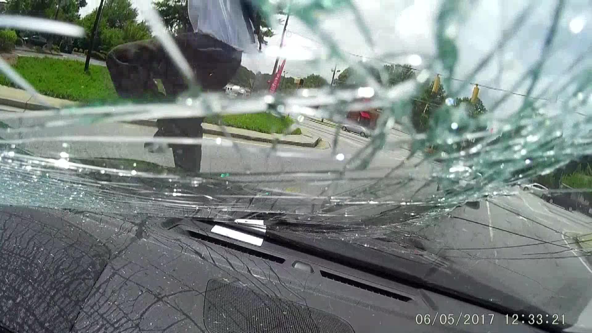 windshield_592198