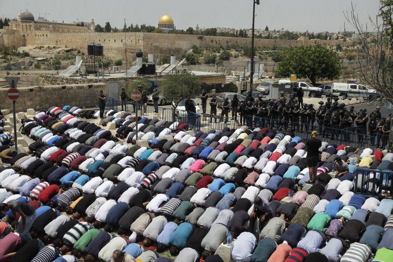 Muslim Prayer_611859