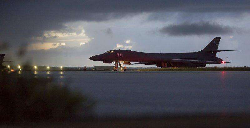 USA B-1B bomber_635599