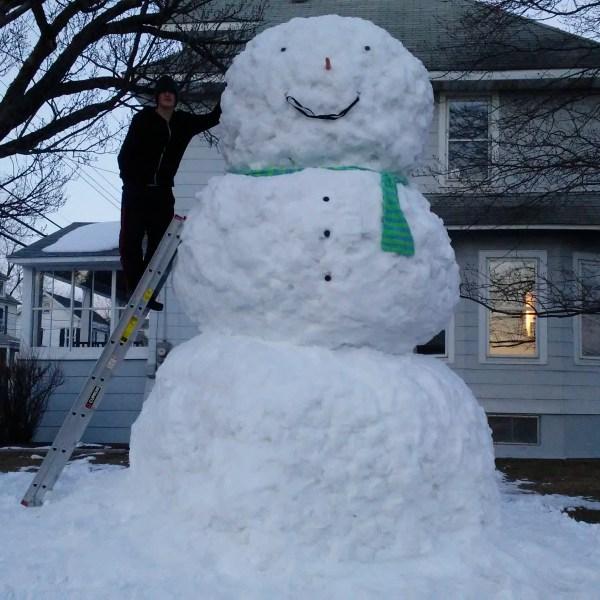 14 foot tall snowman_713735