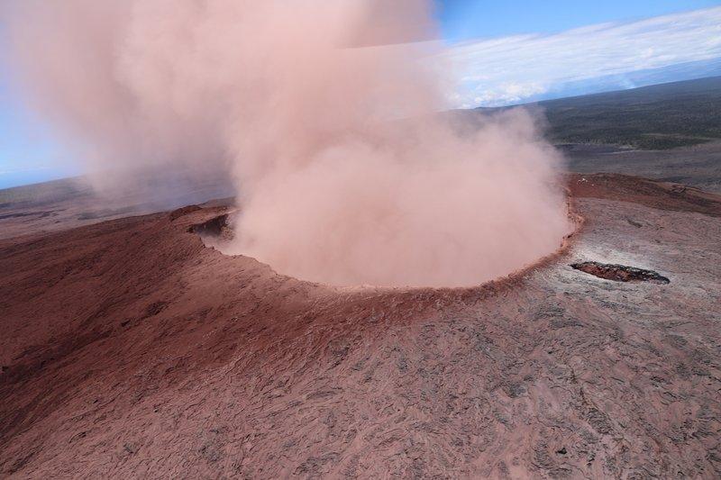 hawaii volcano eruption may 2018 AP_1525481021409.jpeg.jpg