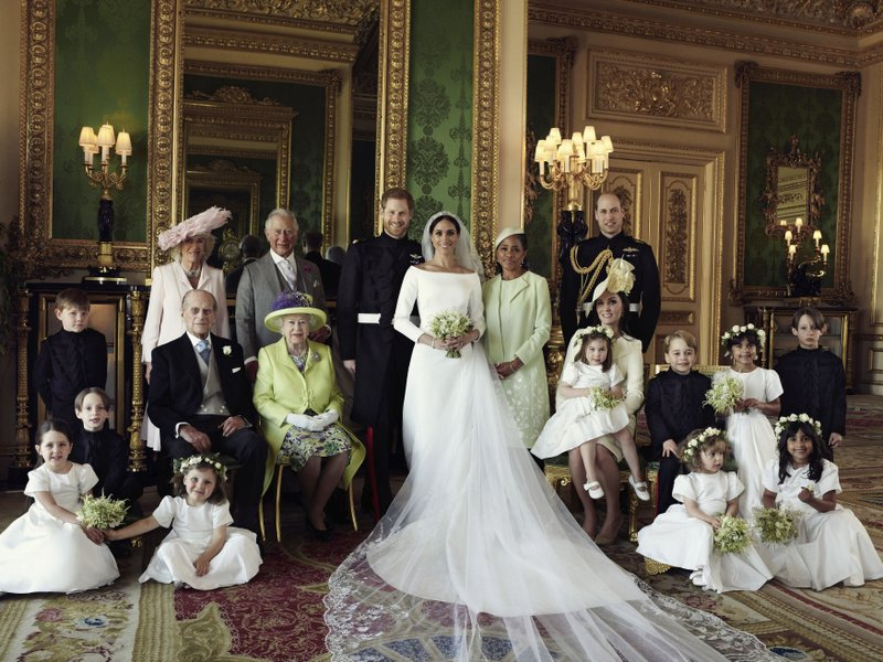 royalwedding1_1526930661296.jpg