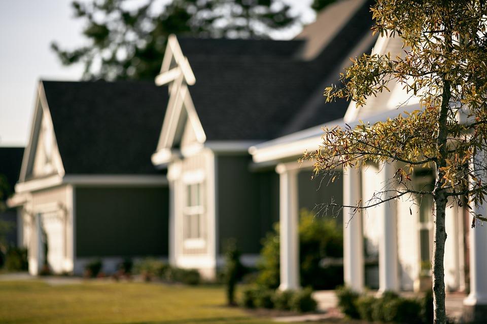 houses neighborhood _1531847279727