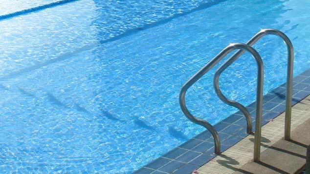 swimming pool_281004