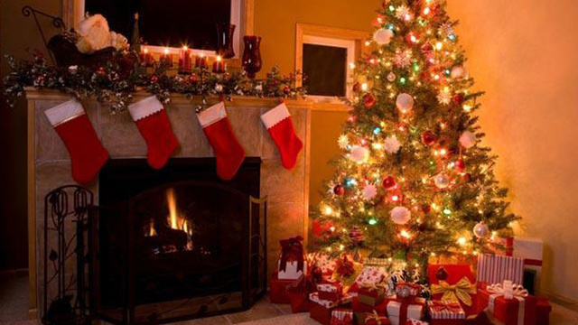 christmas-stockings-fireplace-holiday-christmas-tree_1513899484101_325387_ver1-0_30462887_ver1-0_640_360_675777