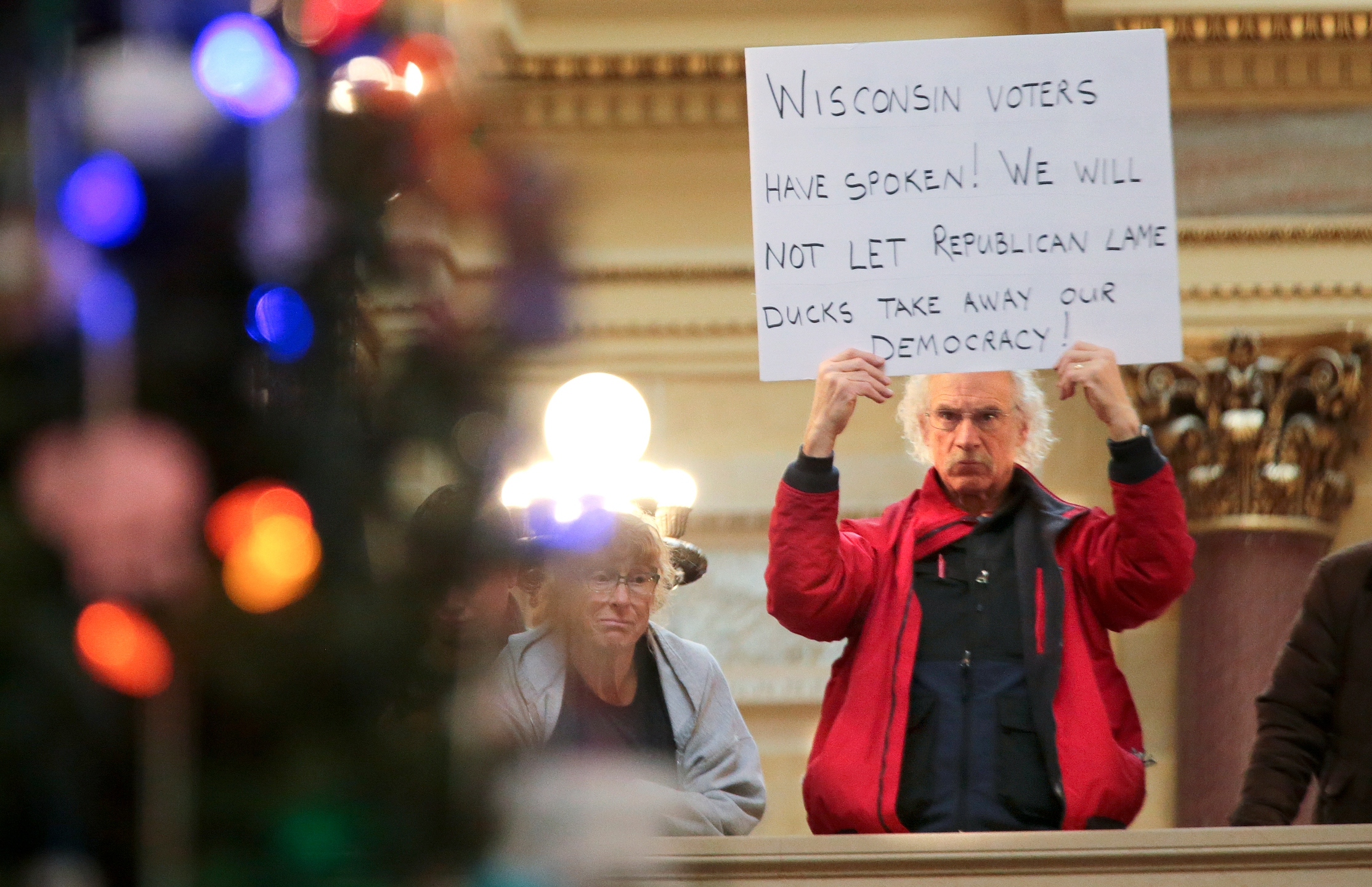 Wisconsin_Legislature-Lame_Duck_28669-159532.jpg96909783