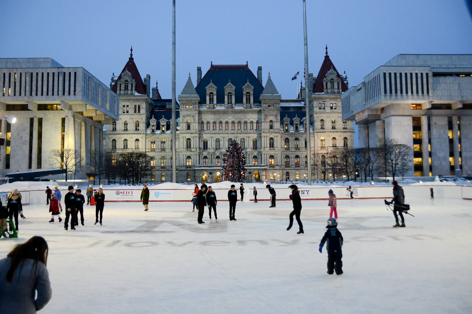 Plaza ice Rink_311136