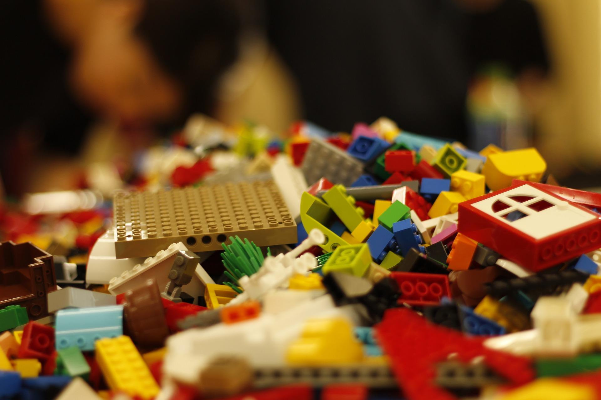 A jumbled pile of Lego