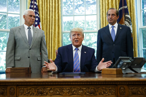 Donald Trump, Alex Azar, Mike Pence