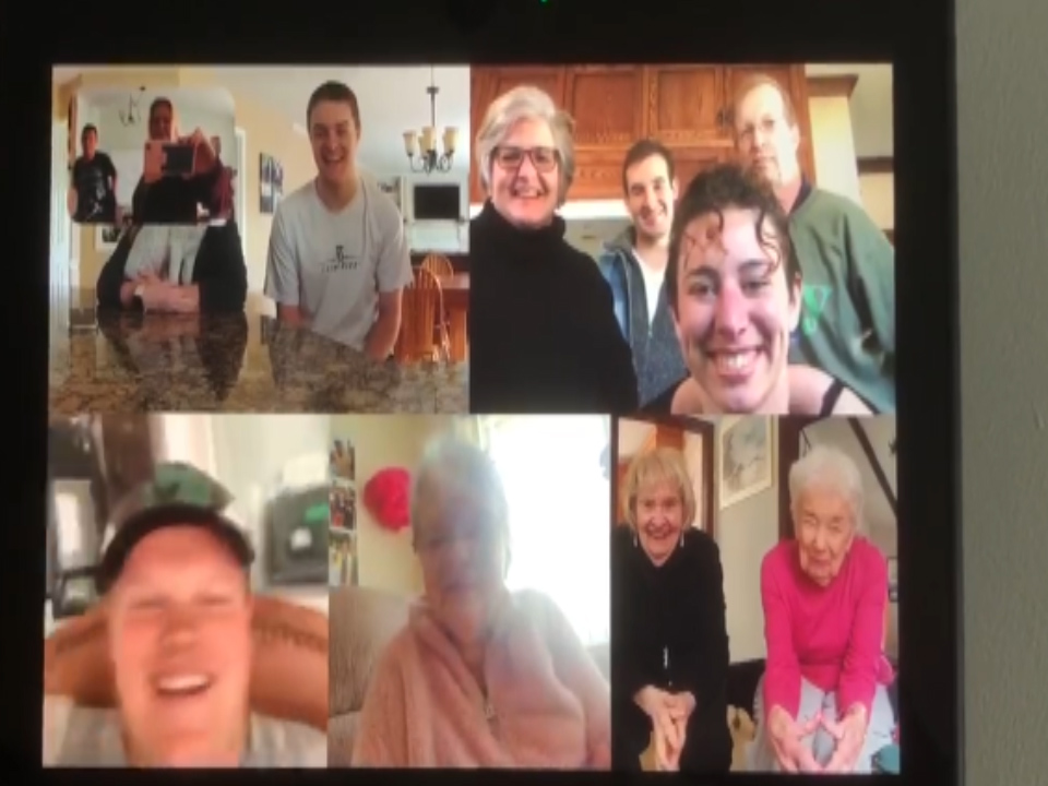 Shimkus family communicates with mom virtually in nursing home