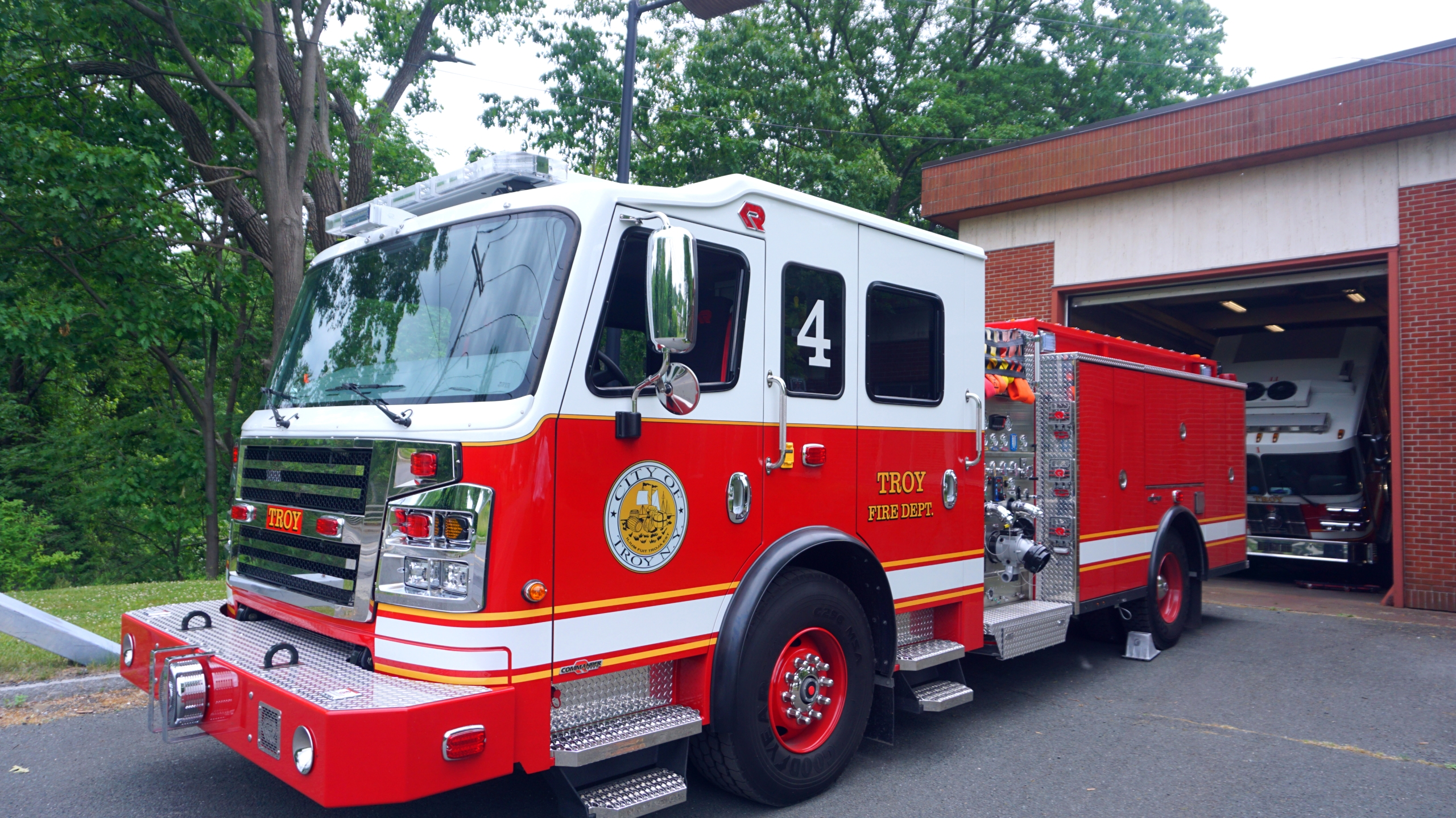 Troy's Fire Engine 4
