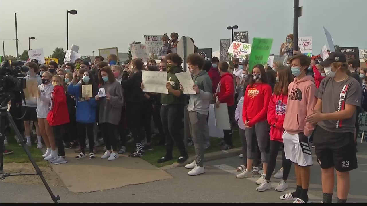 williamsville school protest