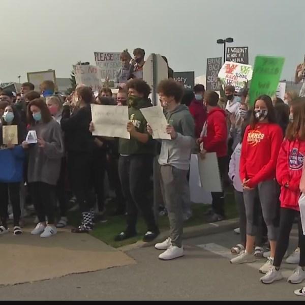williamsville school protest