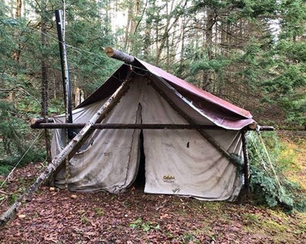 Illegal camp in the town of Ohio.