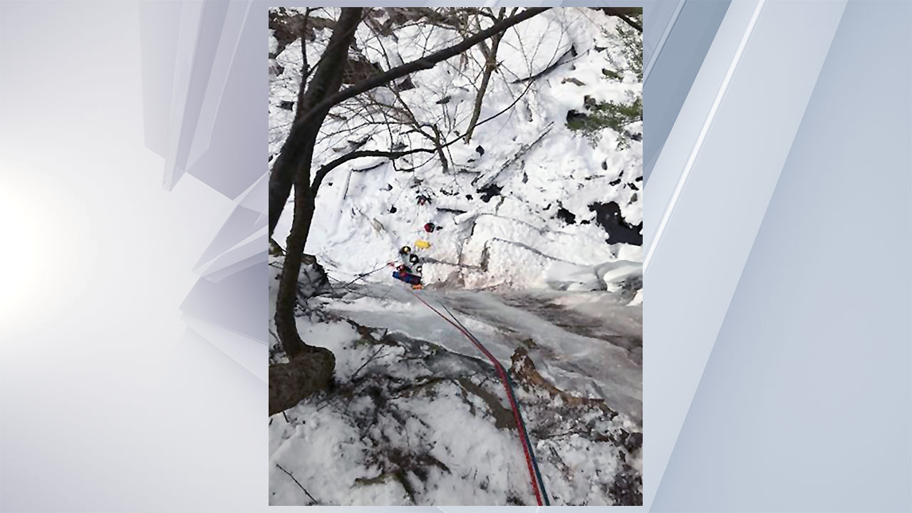 Rangers rescue ice climber in Hunter