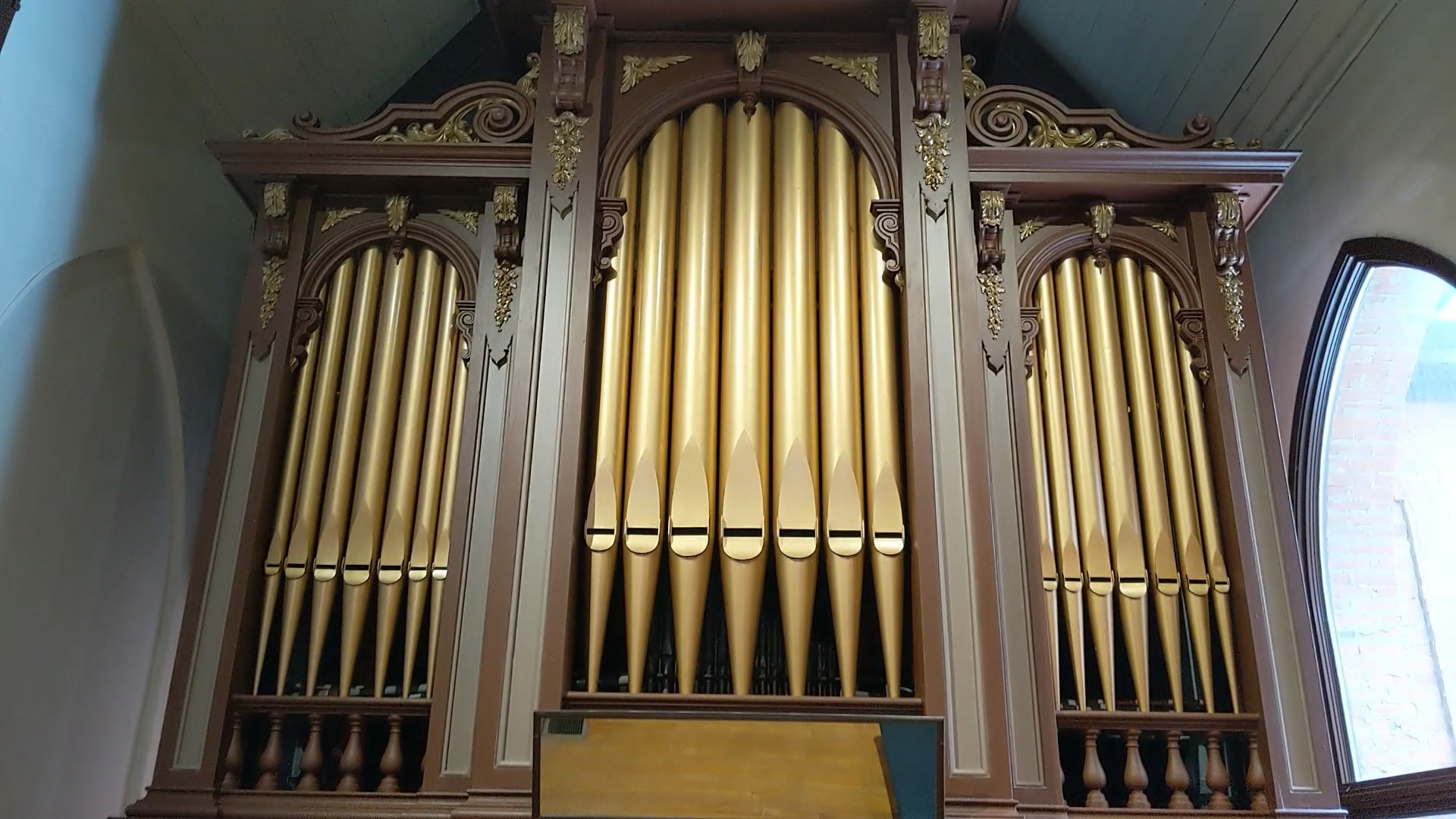 salem church organ