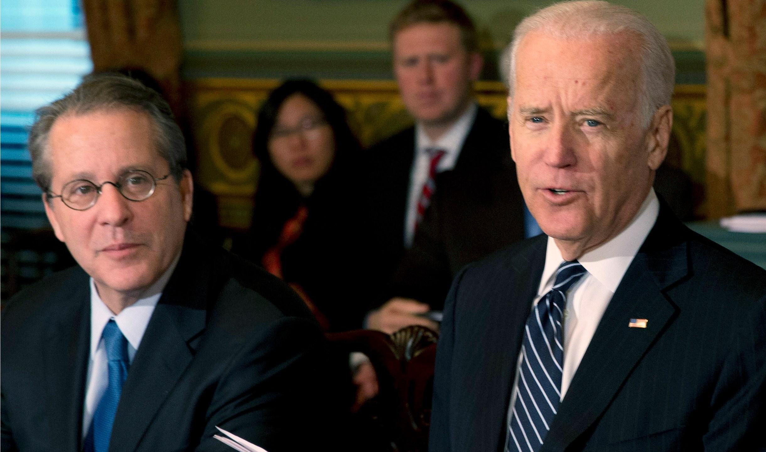 Joe Biden, Gene Sperling