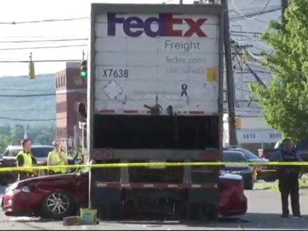 fedex truck schenectady state street