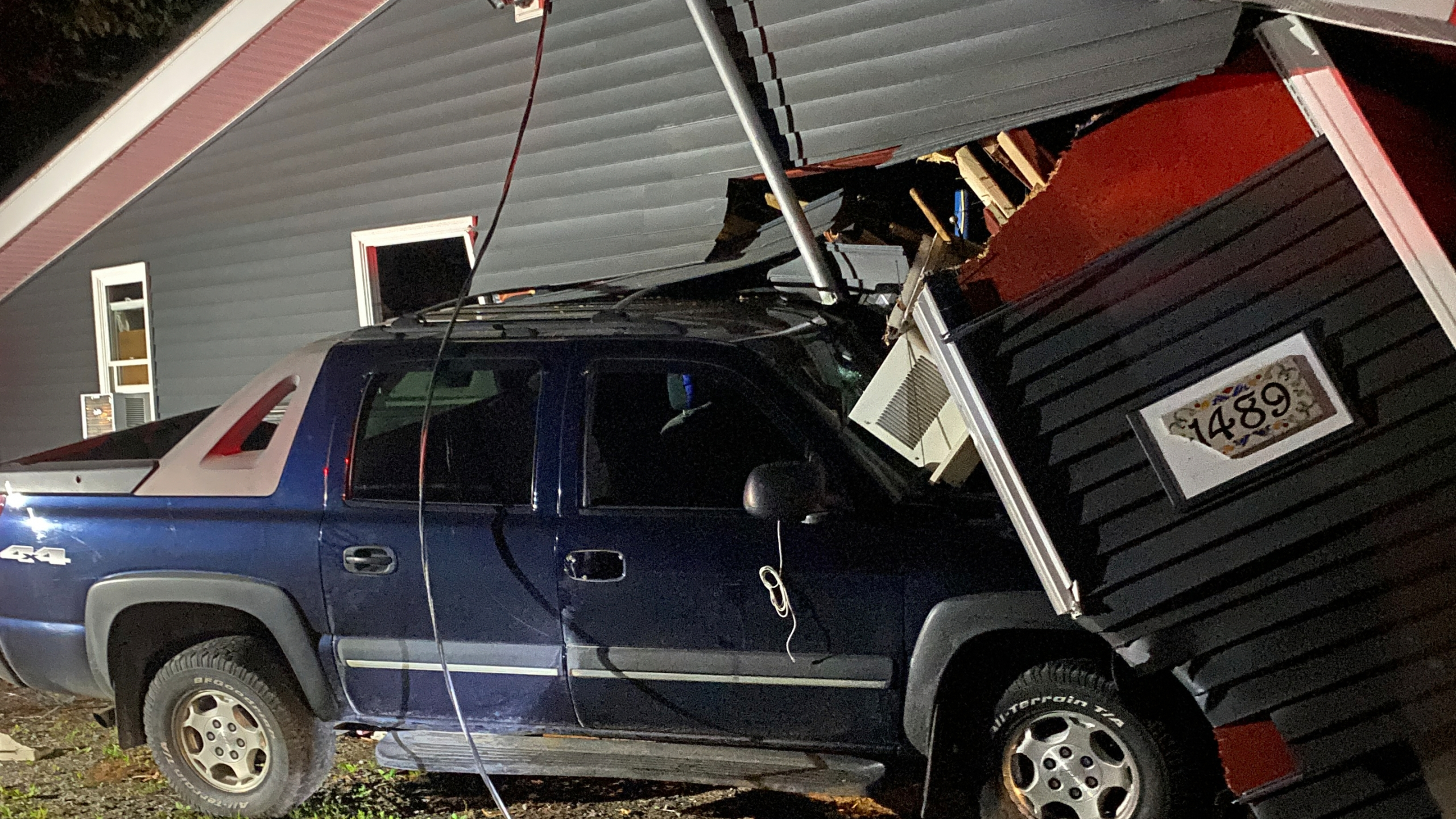 schodack valley road car vs house