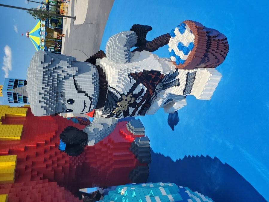 Dino-Building-Close-Up