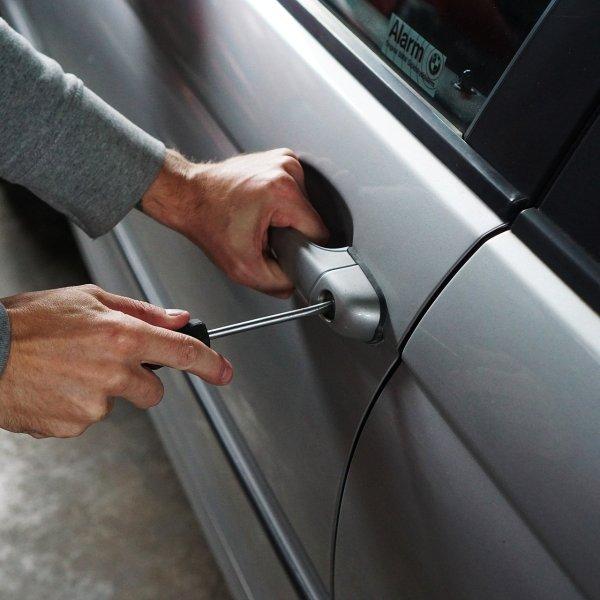 Car thief stolen vehicle larceny generic (TheDigitalWay / Pixabay)